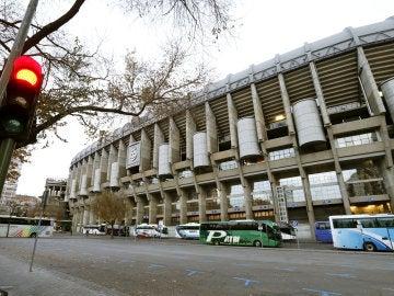 Imagen exterior del estadio Santiago Bernabéu