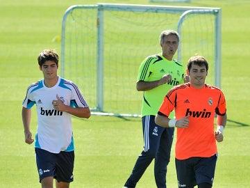 Mourinho, Morata y Casillas en un entrenamiento con el Madrid