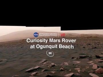 Panorámica 360 grados de Curiosity en un campo de dunas en Marte