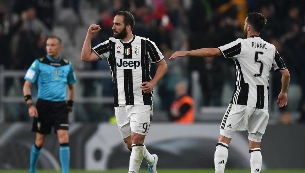 Higuain celebra un gol con la Juventus