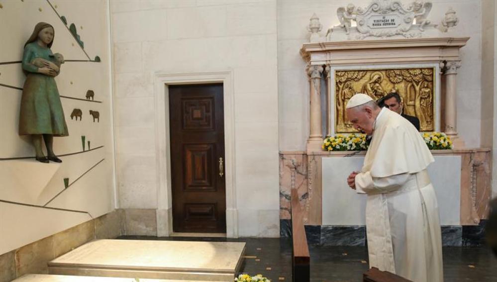 El Papa canoniza a dos pastorcillos
