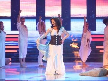 Isabel Sarabia llena el plató de ilusión cantando 'Amor de San Juan' como Niña Pastori
