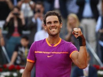 Nadal celebra su triunfo en el Mutua Madrid Open