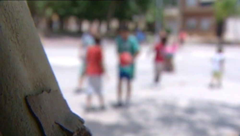 Frame 67.359473 de: El PSOE pide pensión para todos los huérfanos, aunque sus madres no cotizaran