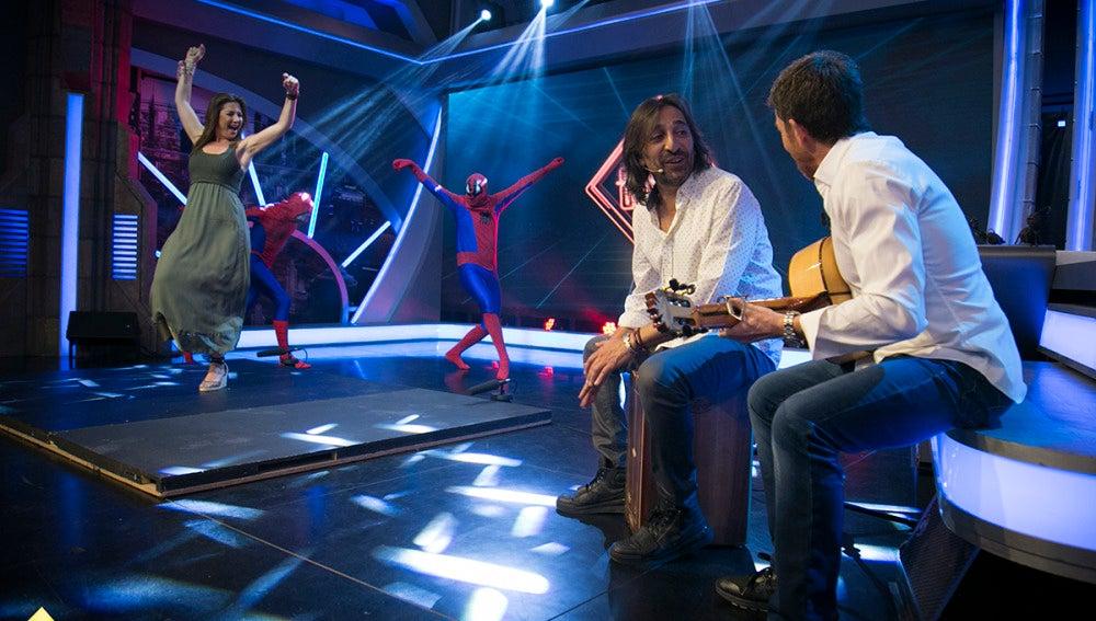 Antonio Carmona sorprende a Sara Baras en 'El Hormiguero 3.0'
