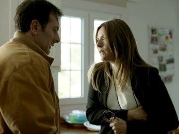 Raquel se enfrenta a su ex marido a punta de pistola