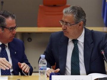 Gregorio Serrano, el director de la DGT, junto a Juan Ignacio Zoido, el ministro del Interior
