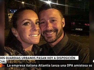 Frame 41.18 de: Pasan a disposición judicial los dos guardias urbanos acusados de matar a un compañero, pareja sentimental de ella