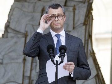 Alexis Kohler, el secretario general del Elíseo, anuncia los nuevos ministros del Gobierno de Macron