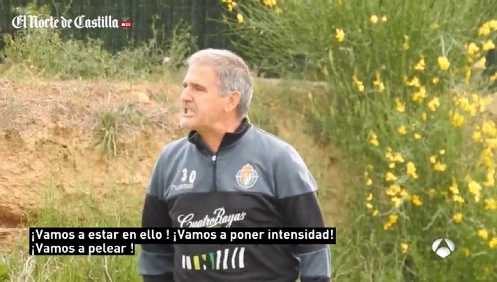 """Frame 7.626666 de: Tremenda bronca de Paco Herrera a sus jugadores: """"¡Nos jugamos la vida y estamos haciendo el gilipollas!"""""""