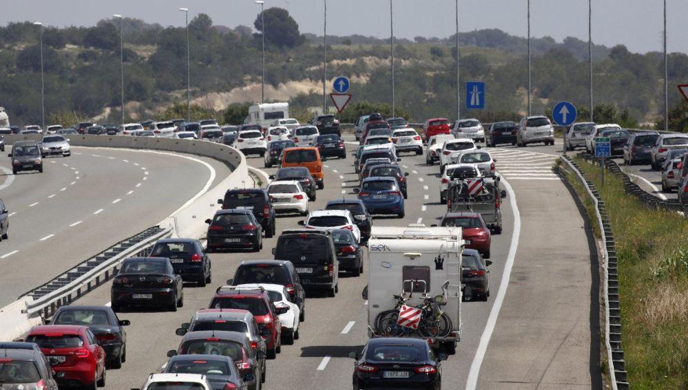 Imagen de un atasco en carretera