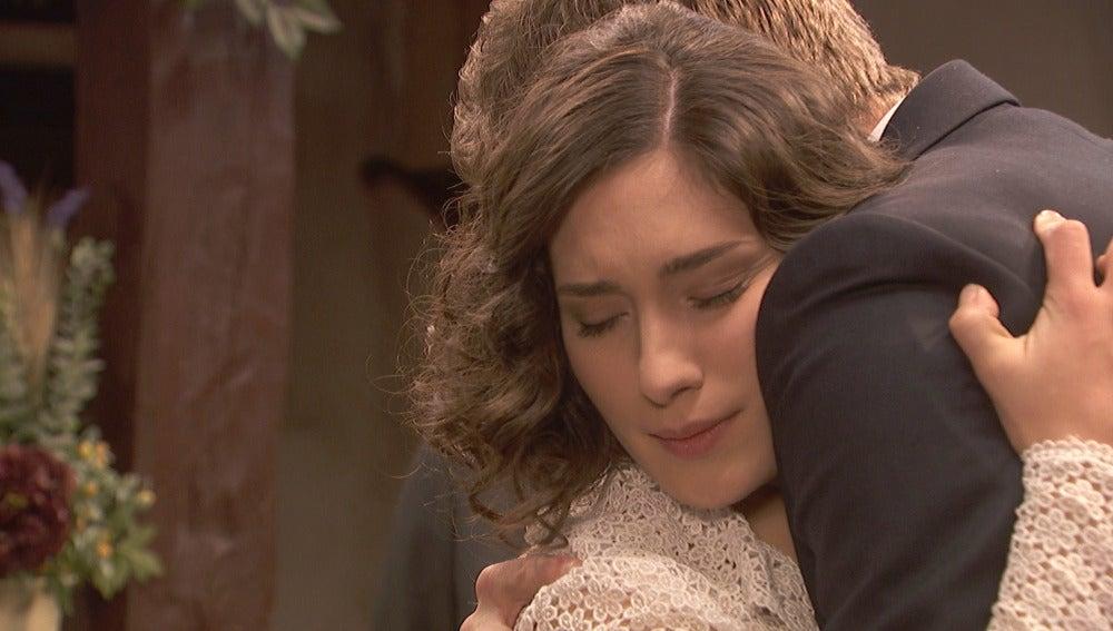 Nicolás se convierte en el principal apoyo de Camila