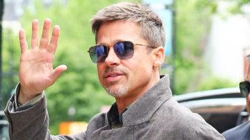 La media sonrisa de Brad Pitt