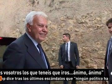 Frame 18.47 de: Felipe González, insultado y abucheado durante un acto en Segovia