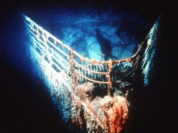 La proa del Titanic a 3.874 metros de profundidad