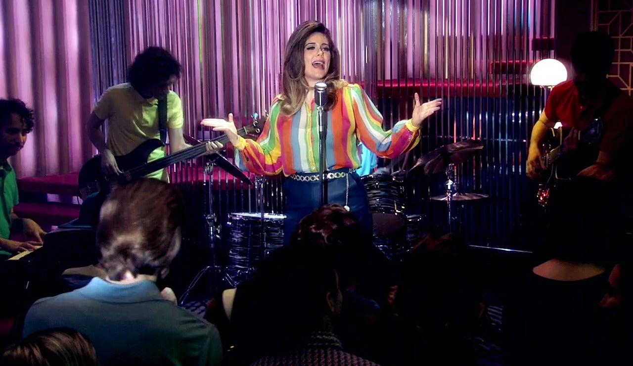 Lola y Los Melódicos enamoran con su música en el 'King's Road Club'