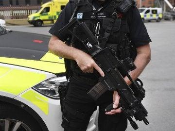 Un agente de la Policía británica