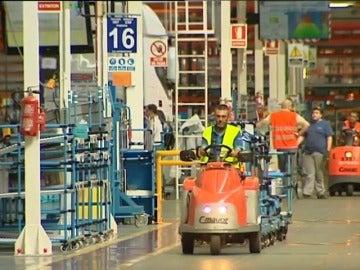 Frame 2.80982 de: La economía española crece el 0,8 por ciento en el primer trimestre