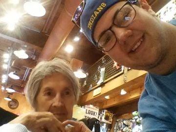 Virgil con su abuela