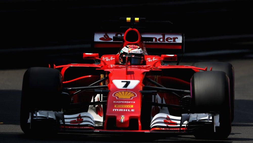 Kimi Raikkonen rueda en el GP de Mónaco