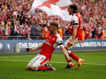Ramsey celebra su gol contra el Chelsea