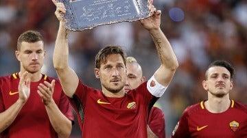 Totti, en su despedida en el Olímpico de Roma
