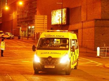 Una ambulancia tras el atentado de Mánchester