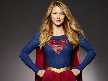 Melissa Benoist como 'Supergirl'