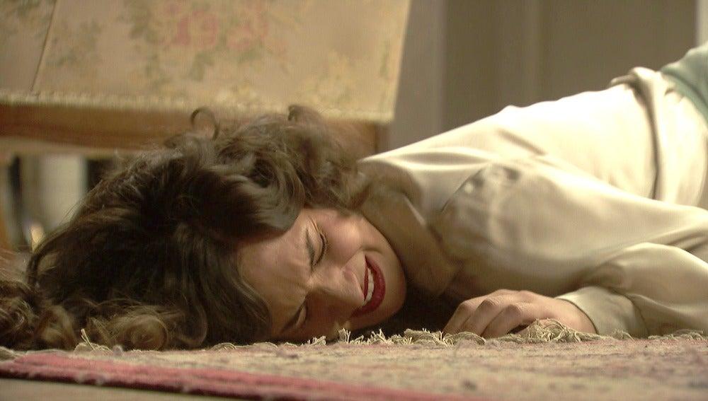 Lucía arremete contra Camila con toda su furia