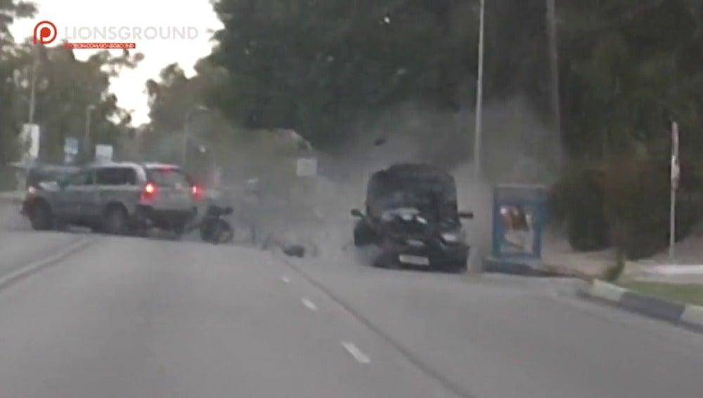 Frame 9.484782 de: Un conductor ebrio atropella a varios peatones en Marbella y deja siete heridos