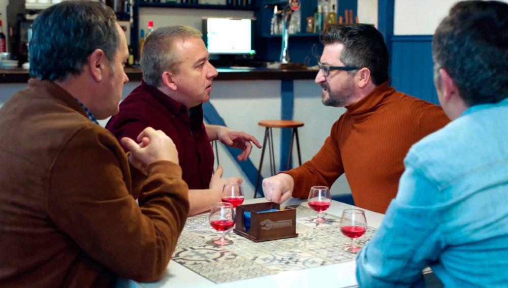 La cuadrilla se pelea por ser el padrino del hijo de Carmen e Iñaki