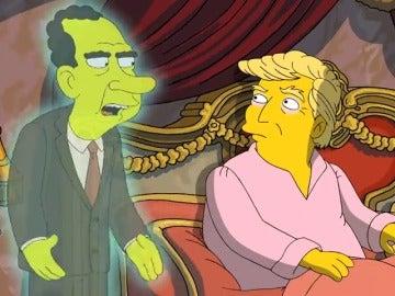 Frame 49.637764 de: Donald Trump recibe la visita del fantasma de Richard Nixon en 'Los Simpson'