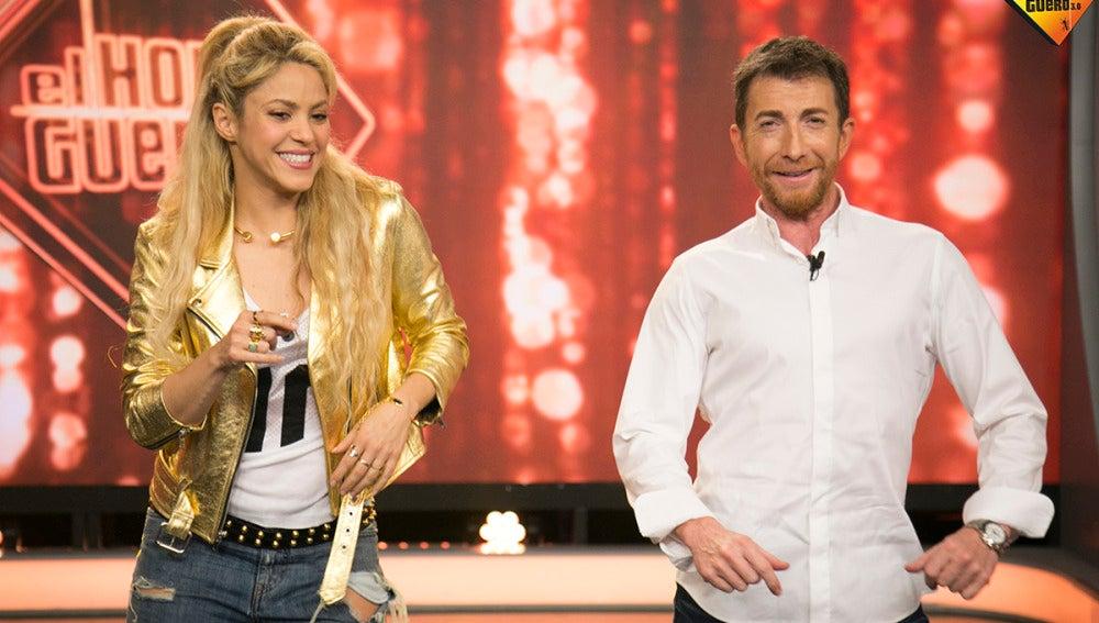 Shakira enseña a Pablo Motos a bailar bachata en 'El Hormiguero 3.0'