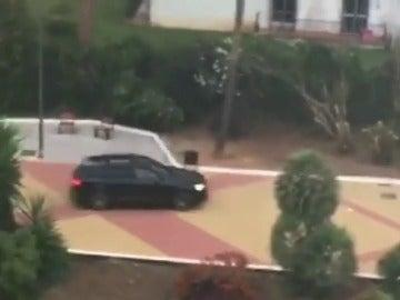 Frame 30.204116 de: Un conductor ebrio atropella a varios peatones en Marbella y deja siete heridos