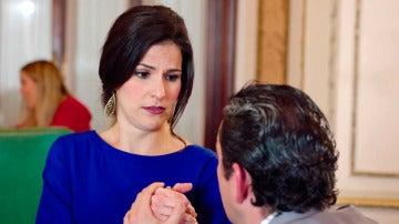 Cristóbal pide matrimonio a Trini