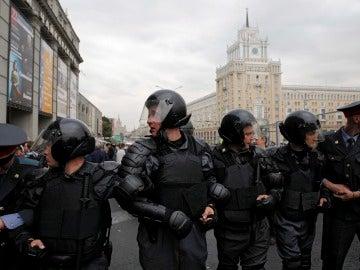 Policías antidisturbios en Rusia