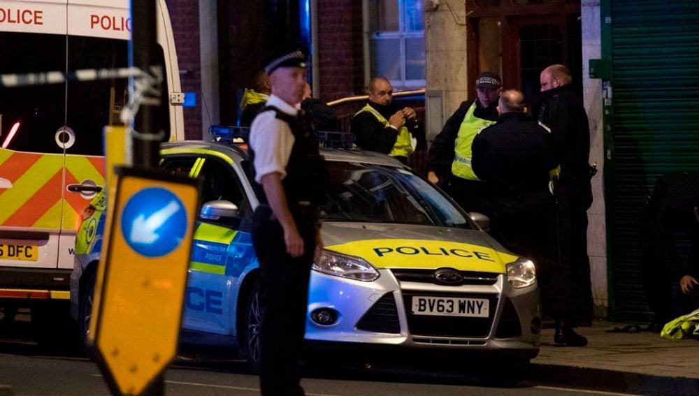 Policía en el lugar del ataque de Londres