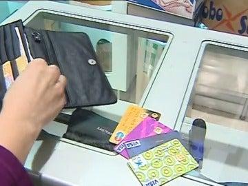 Frame 11.492116 de: 49 millones de tarjetas de crédito en España