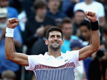 Djokovic celebra su triunfo ante Albert Ramos