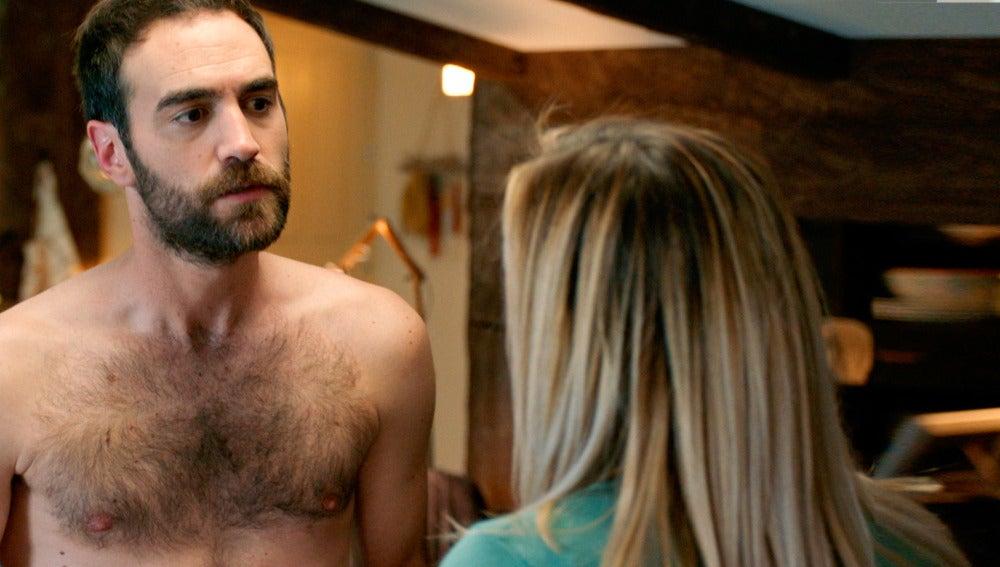Carmen sorprende a Iñaki y Gotzone desnudos