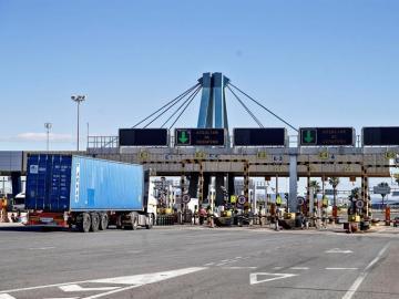 El puerto de Valencia durante la huelga de estibadores