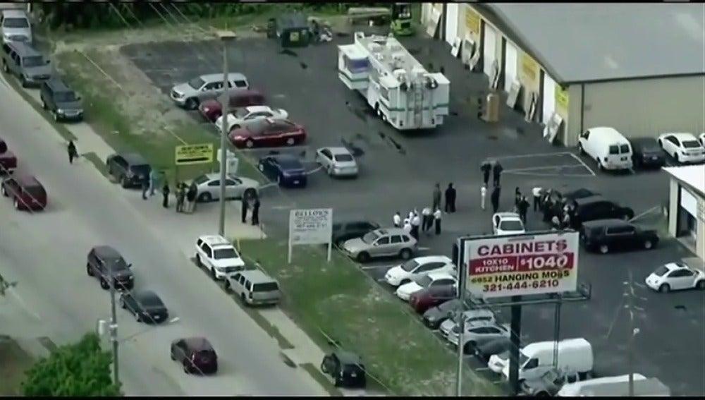 Al menos cinco muertos al registrarse un tiroteo en una zona universitaria de Orlando