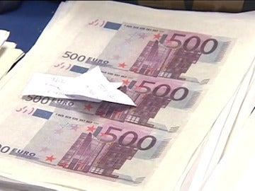 Frame 6.111572 de: La policía desmantela una imprenta dedicada a la falsificación de billetes