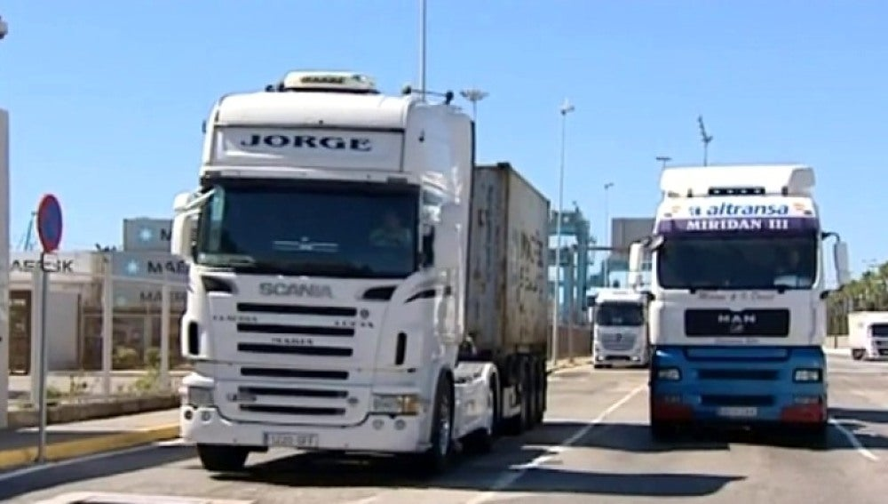 Imagen de  varios camiones
