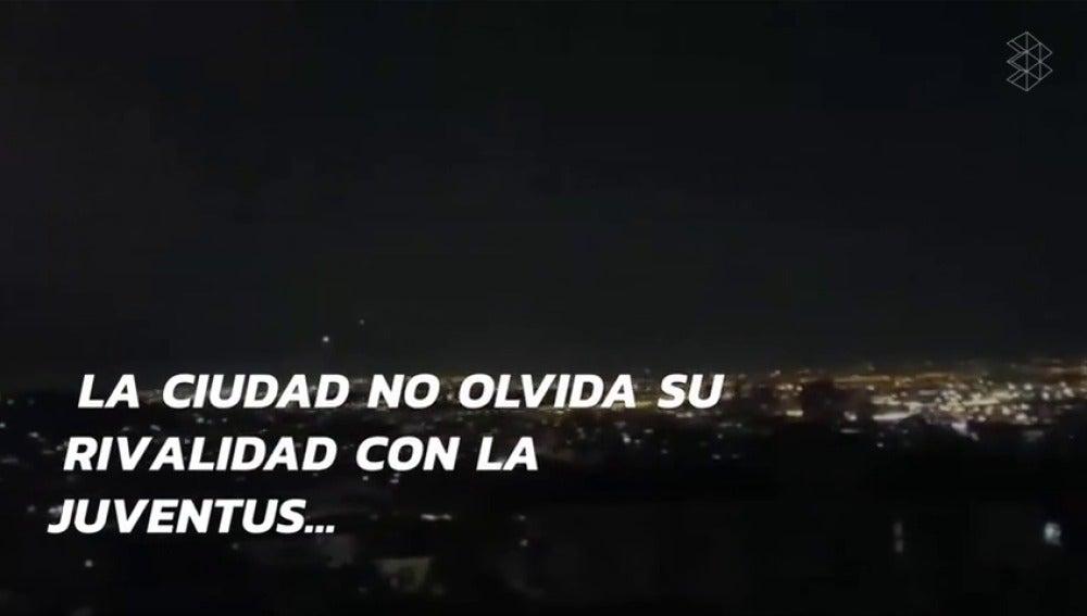 Frame 45.440292 de: Ver para creer: no es Madrid... ¡Es Nápoles! La ciudad italiana celebró la Duodécima con fuegos artificiales