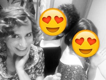 Marta Tomasa, encantada con dos de sus nuevas compañeras