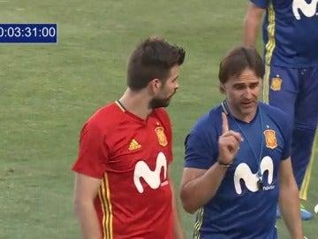 Frame 33.098053 de: Nueva charla entre Lopetegui y Piqué: ¿qué se dijeron en el entrenamiento de la Selección?