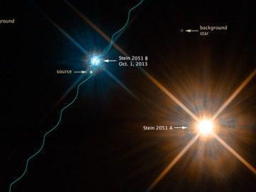Esta imagen divulgada por el telescopio espacial Hubble muestra el sistema de estrellas binarias Stein 2051