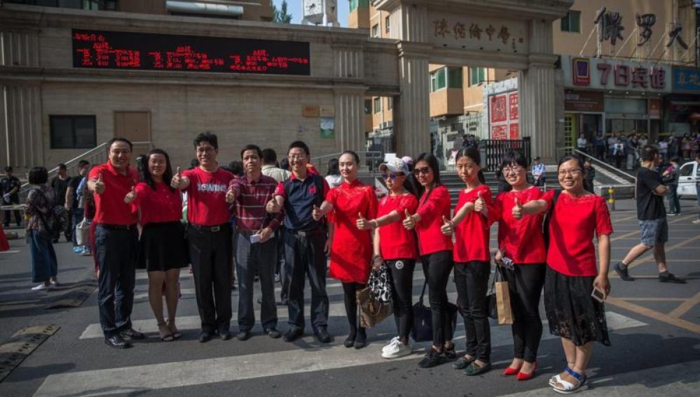Alumnos chinos comienzan el 'gaokao'