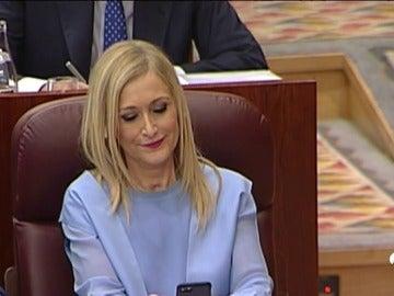 Frame 84.284444 de: Rechazada la moción de censura contra Cifuentes tras un bronco debate en el que el PP llegó a abandonar el Pleno